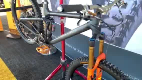 GIANT casco integrale DH ENDURO mtb 100/% bike helmet Fullface Matte Black Nero